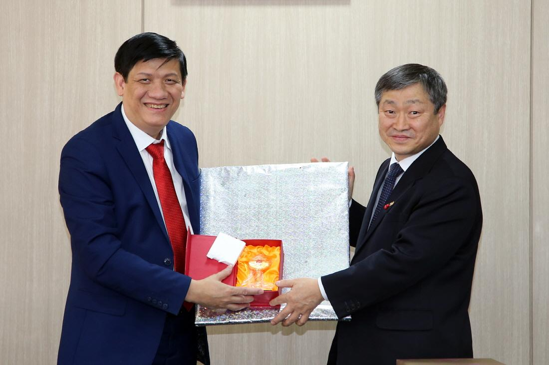 Vietnam's Vice Chairman Central Commission for Popularization Education 사진