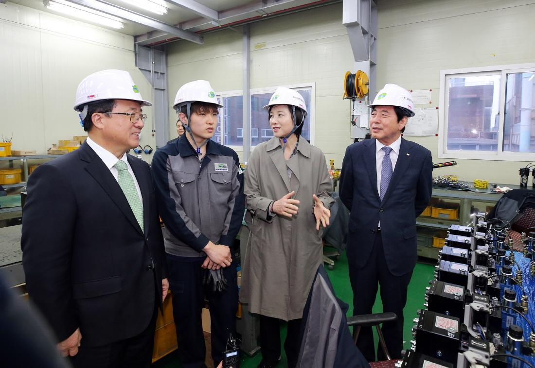 DP Minister Discusses about Jobs for Vocational High School Graduates 사진