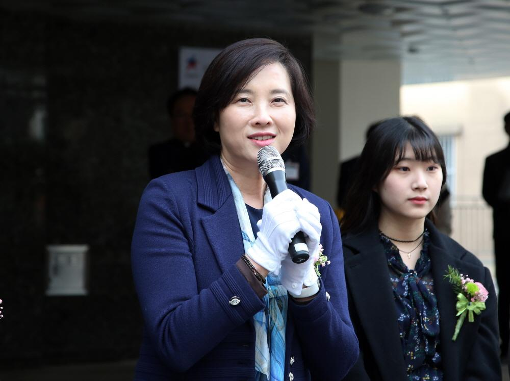 Education Minister Celebrates the First Dormitory-Style Residence for Youths 사진